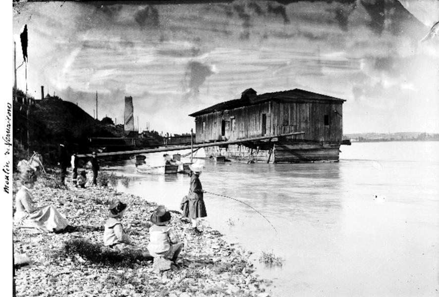 Bateau-moulin à Vernaison © SMIRIL