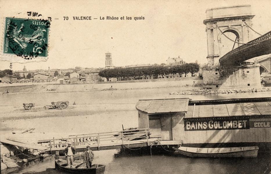 Bateau-Piscine à Ste Colombe en rive droite © Coll Dürenmatt, Promfluvia BM Lyon