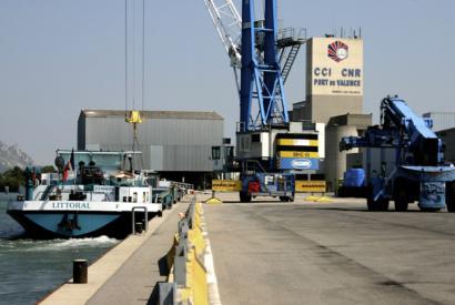 Conteneurs au Port de commerce © Chambre de Commerce et d industrie de la Drome