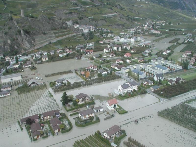 Inondation a Saillon en octobre 2000 © Etat du Valais