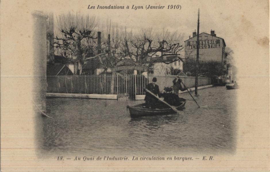 Inondation sur les quais de Saône à Lyon © Coll Dürenmatt, Promofluvia- BM Lyon