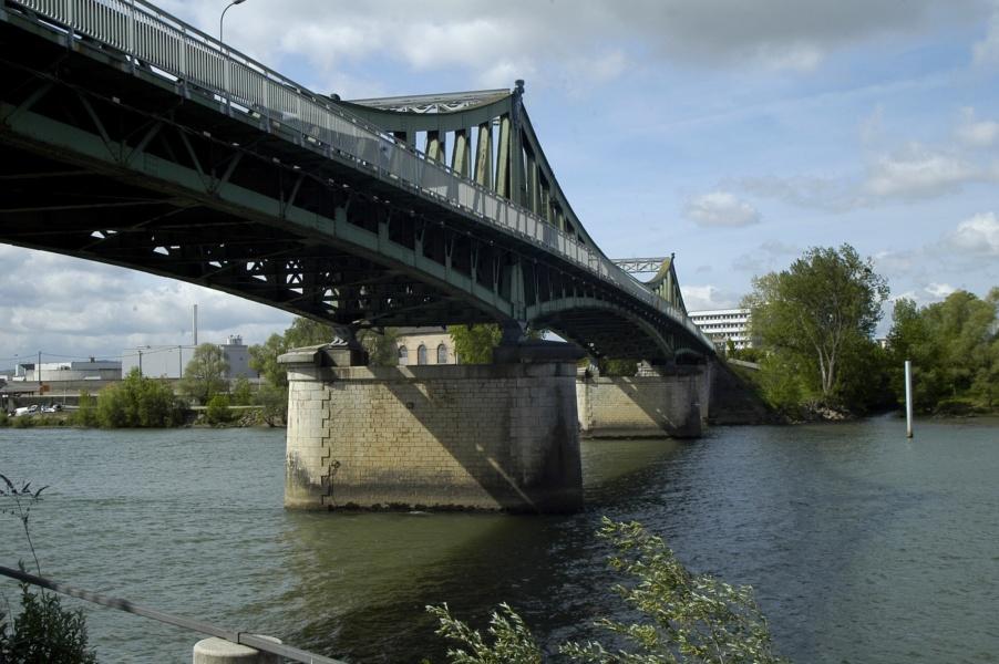 Le pont de Frans à Villefranche, photo P. Branche, 2011, Collections photographiques de la Ville de Villefranche-sur-Saone