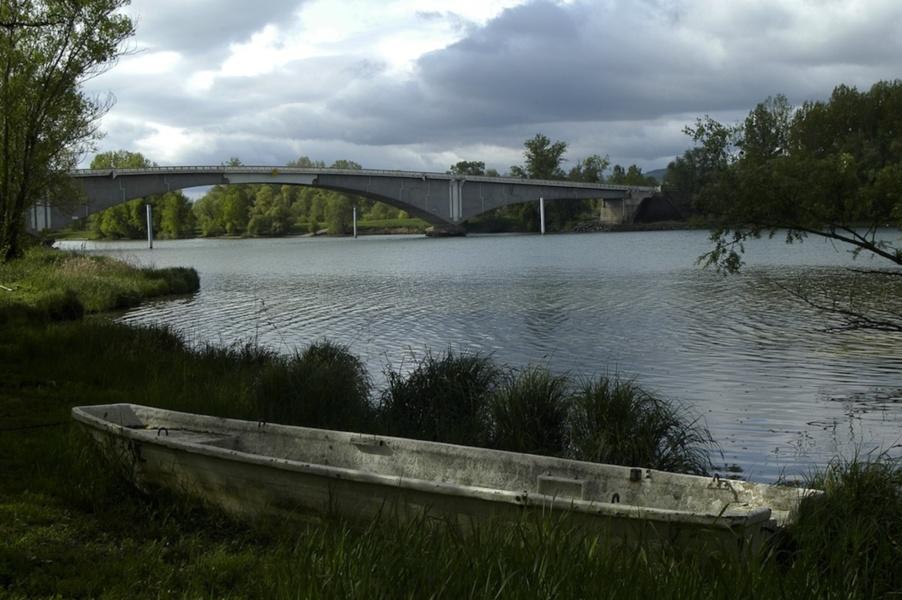 Le pont de Saint Bernard pris de la rive droite Anse © photo P Branche, Coll Ville de Villefranche sur Saone