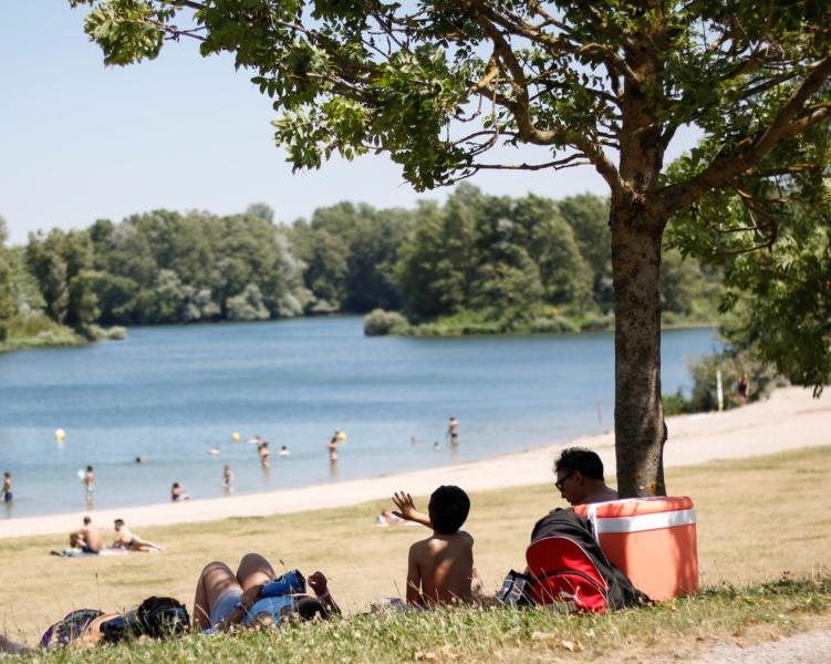 Loisirs au Grand Parc Miribel Jonage familles plage du Fontanil © M Andre ABIABO