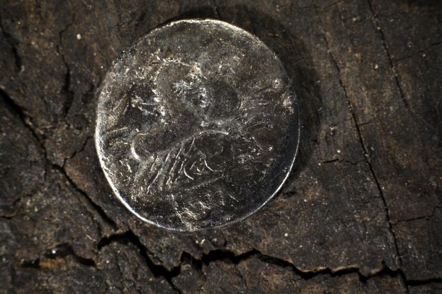 monnaie votive chaland©CD13-MDAA Remi Benali
