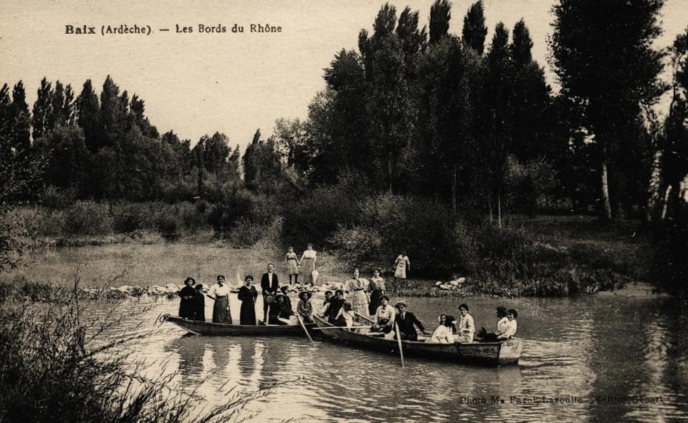 Partie de canotage sur les bords du Rhône © Coll Dürenmatt, Promofluvia BM Lyon