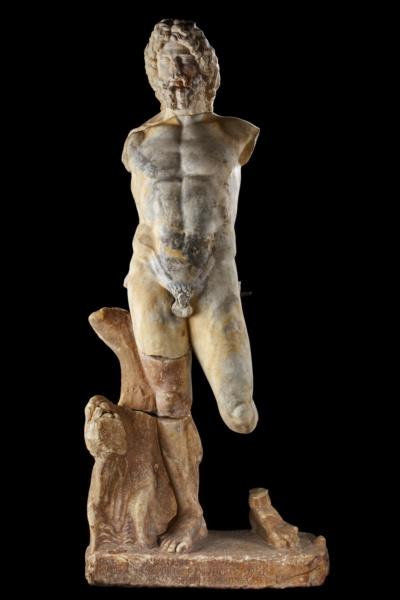 Statue de Neptune ©CD13-MDAA Rémi Bénali