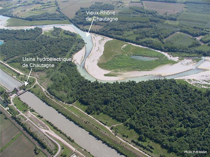 Usine hydroelectrique en Chautagne © JM Olivier